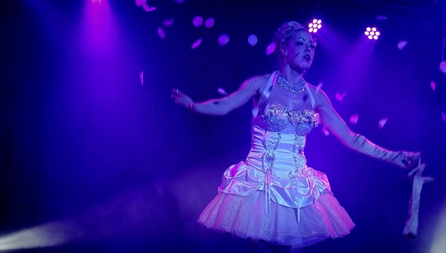 Image of a scene from the documentary Burlesque: Heart of the Glitter Tribe.
